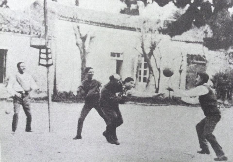 Μάικλ Στεργιάδης (μπάσκετ – βόλλεϋ)
