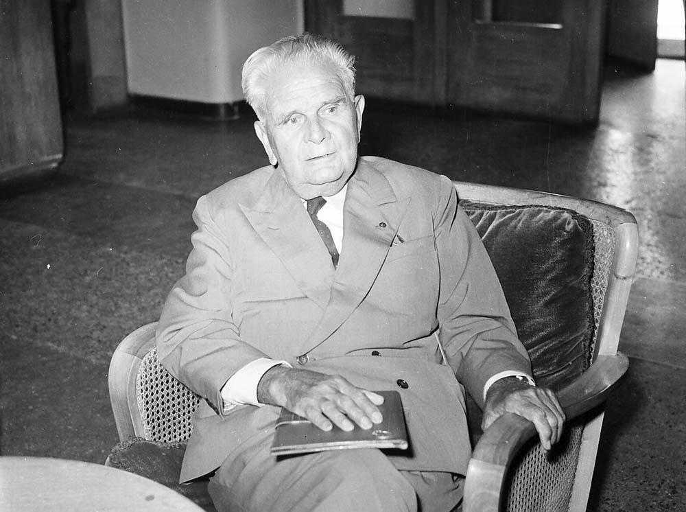 Επίσημος καλεσμένος του Παναθηναϊκού ήταν ο Βιτόριο Πότσο, ο πασίγνωστος προπονητής, αρχιτέκτονας της Εθνικής Ομάδας Ιταλίας που κατέκτησε το Παγκόσμιο Κύπελλο το 1934 και το 1938. Το 1961 είχε πλέον αποσυρθεί από τους πάγκους και αρθρογραφούσε σε ιταλικά μέσα ενημέρωσης.